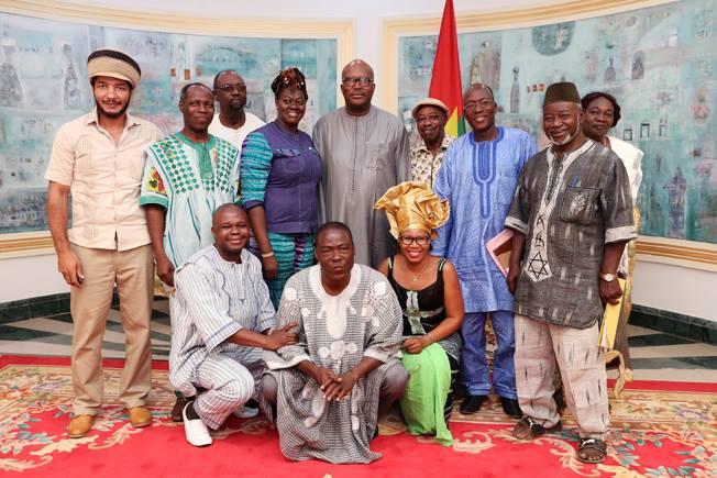 Le Président du Faso reçoit le bureau fédéral de l'Union des Cinéastes du Burkina Faso
