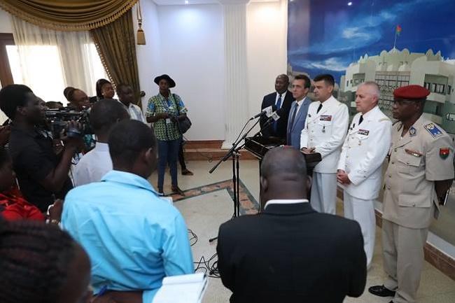Opération Barkhane au Mali : Les Généraux WOILLEMONT et GUIBERT au rapport chez le Président du Faso