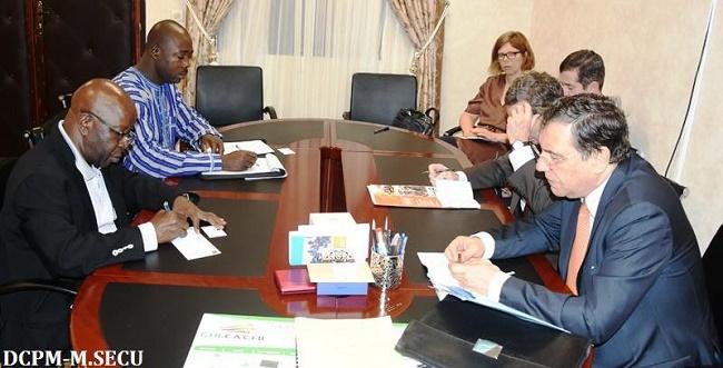 Le Représentant Spécial de l'Union Européenne pour le Sahel parle de sécurité avec Simon Compaoré
