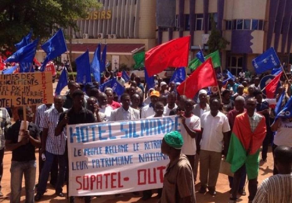 Burkina: les syndicats battent le pavé pour dénoncer les licenciements abusifs de délégués syndicauts