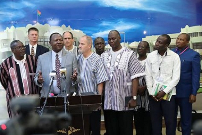 Kosyam: Le Révérend Dr Barnabas MTOKAMBALI remercie Roch pour la «promotion de la tolérance inter-religieuse»