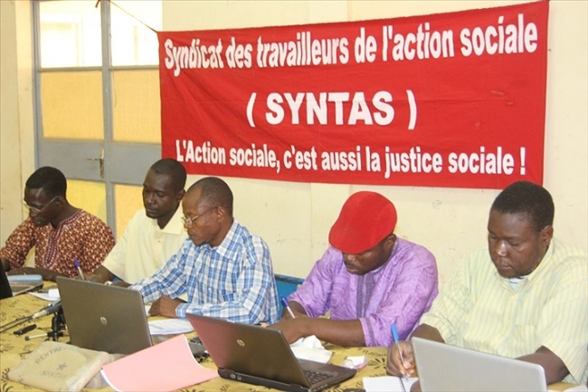 Burkina : Les travailleurs sociaux suspendent les grèves par compassion pour les victimes du terrorisme