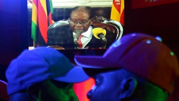 Zimbabwé: Robert Mugabé refuse de démissionner