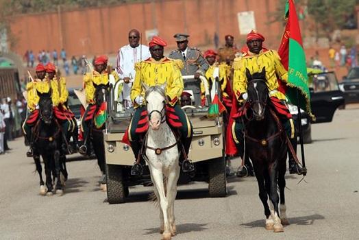 57ème anniversaire de l'indépendance du Burkina Faso : Le Président du Faso préside le défilé civilo-militaire à Gaoua