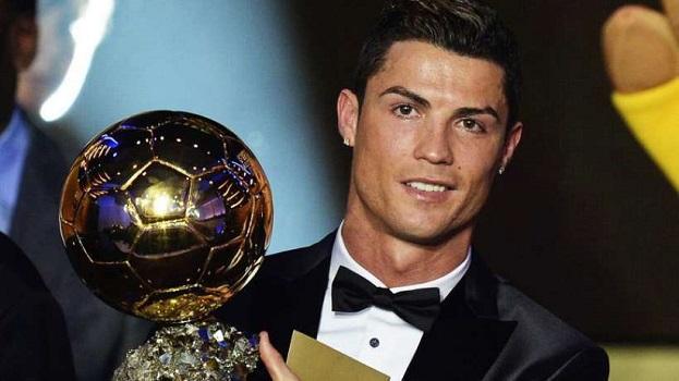 Sport: Cristiano Ronaldo décroche son 5e Ballon d'Or