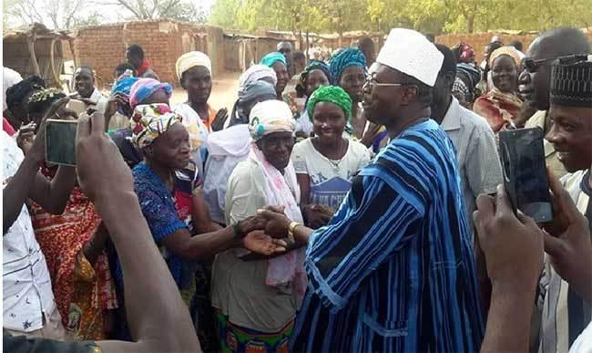 Politique: Eddie Komboigo accueilli par une foule à Yako et à Toécin