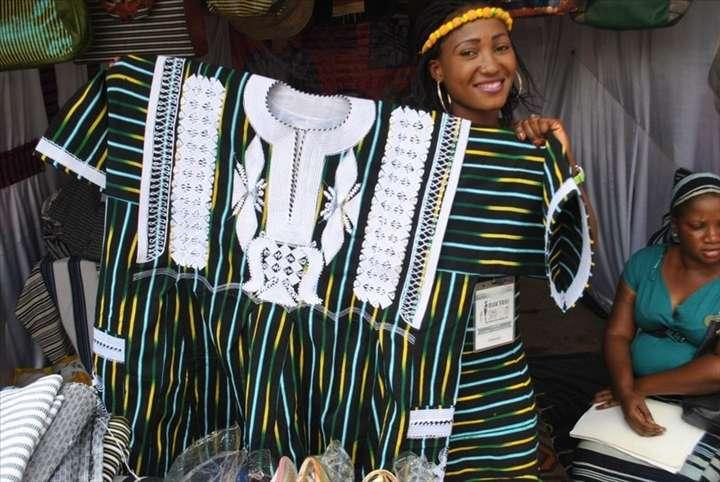 Textile: les acteurs du Faso dan Fani dénoncent, auprès du Mogho Naba Baongho, la concurrence venue de l'Asie