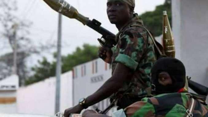Bouaké: Violents échanges de tirs entre deux bases militaires depuis 19h, ce mardi