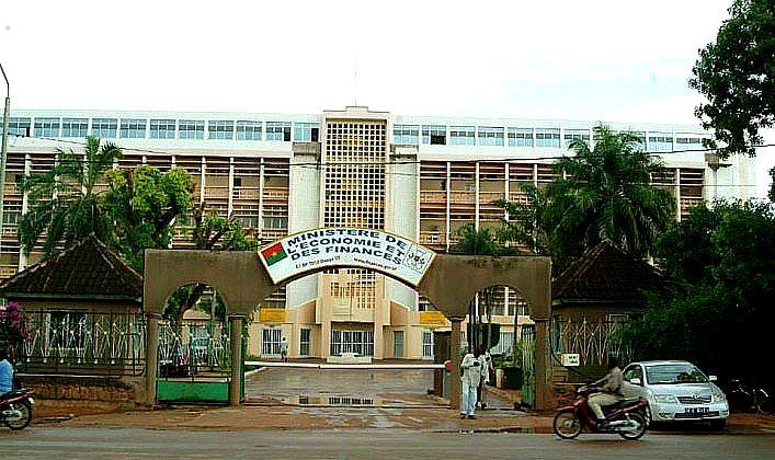 Burkina: Greve des Syndicats du Ministère de l'Economie et des Finances, le gouvernement réagit