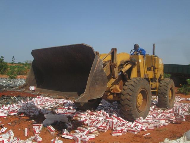 Bobo Dioulasso: 166 000 paquets de cigarettes « enterrés »