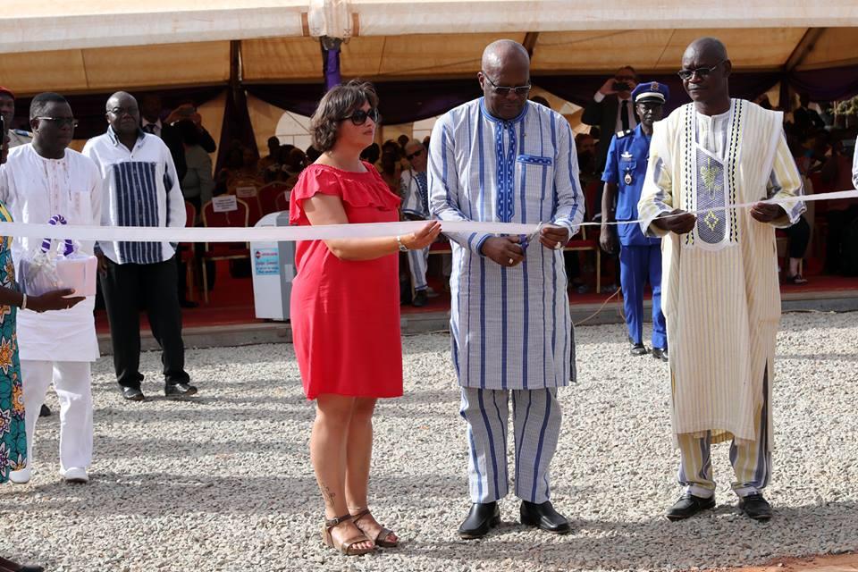 Commémoration de l'an 4 du crash du vol AH 5017 d'Air Algérie : le Président du Faso a déposé une gerbe de fleurs à la mémoire des 116 victimes