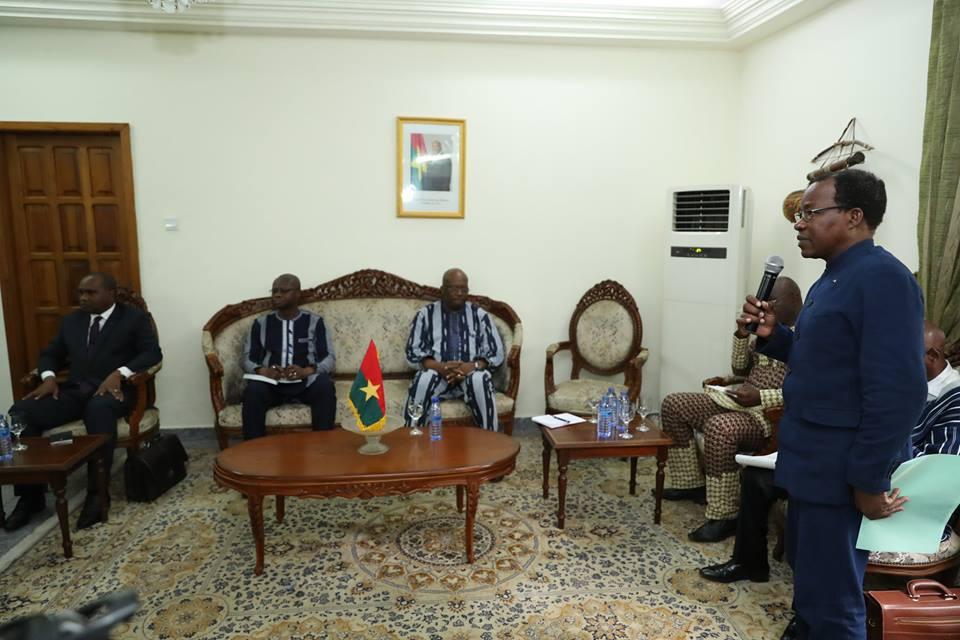Coopération Burkina Faso-Ghana : Le Président du Faso a échangé avec ses compatriotes du Ghana.