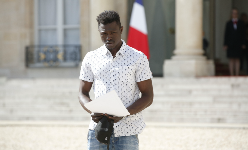 """France - Naturalisation d'un migrant malien : des ONG dénoncent une """"récupération"""""""
