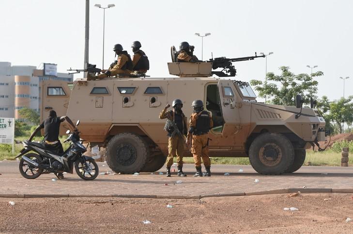 Sécurité: l'armée met en garde contre tout abandon de poste