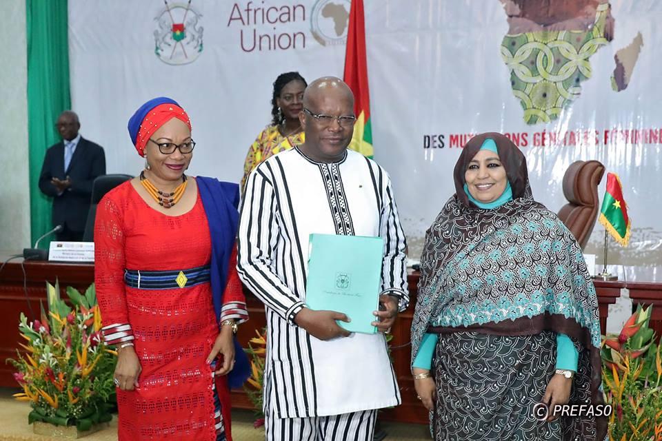 Conférence internationale sur les MGF : Les participants adoptent la Déclaration de Ouagadougou.