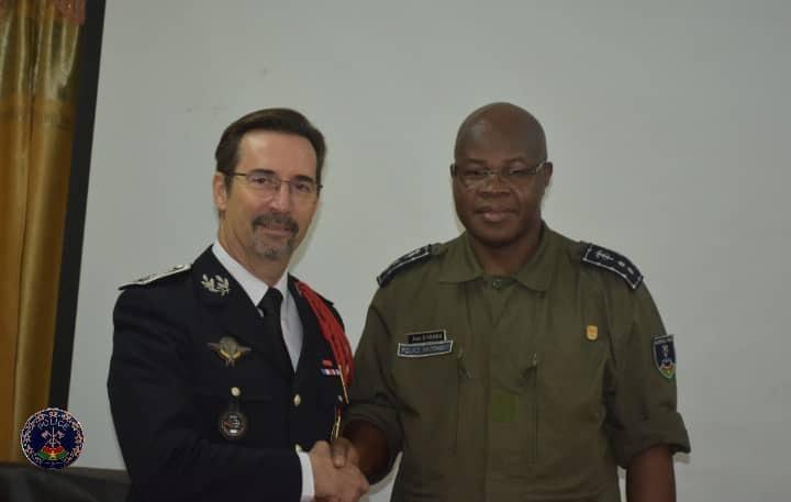 Burkina:  le nouvel Attaché de sécurité intérieure auprès de l'Ambassade de France au Burkina Faso chez le Directeur Général de la Police Nationale