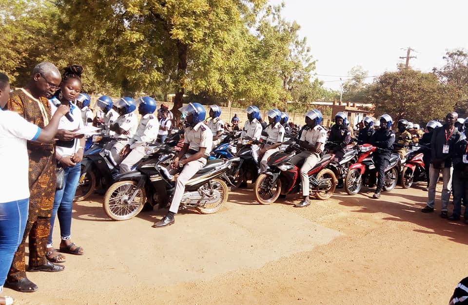 Sécurité routière : La FAPSER-BF lance à Koudougou la caravane de sensibilisation sur le port du casque.