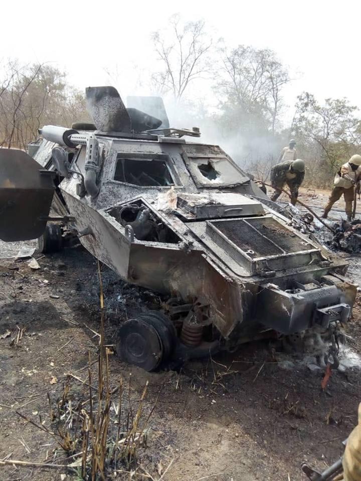 Axe Fada-Kompienbiga : Un véhicule militaire saute sur un engin explosif et fait trois morts
