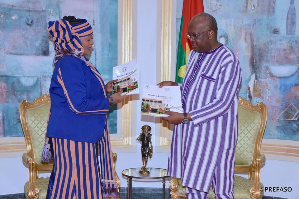 Vie des institutions : le Médiateur du Faso remet son rapport au Président du Faso.