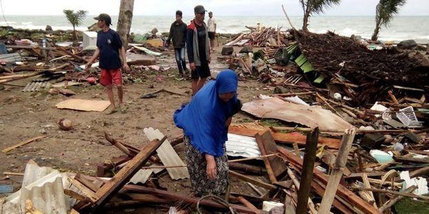 Indonésie: un tsunami fait au moins 168 morts