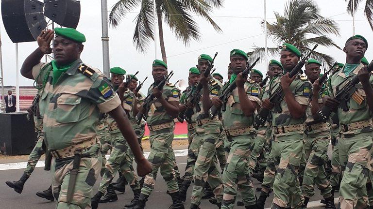 Gabon: des militaires prennent le pouvoir