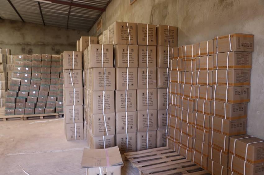 Santé: plus de 40 tonnes de produits saisis dans un établissement illégal