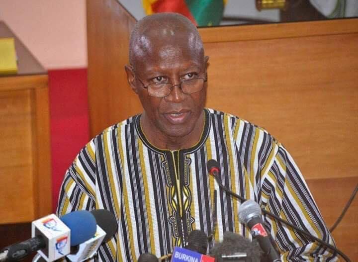 Tirs au Camp Guillaume Ouédraogo de Ouagadougou : Le Premier ministre appelle au calme et à la sérénité.