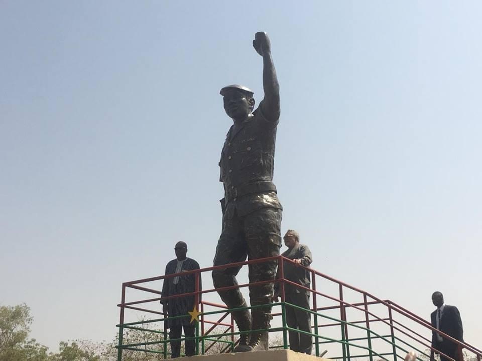 Burkina: La statue de Thomas Sankara dévoilée.