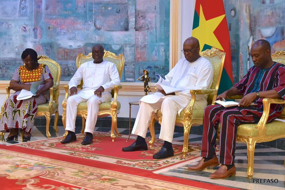 Réconciliation nationale : le HCRUN remet son rapport d'activités 2018 au président du Faso.