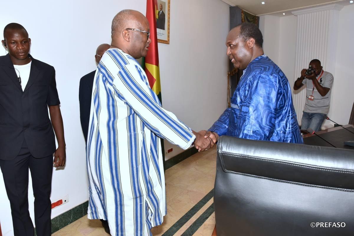 Dialogue politique : les partis affiliés au Chef de file de l'opposition politique reçus par le président du Faso