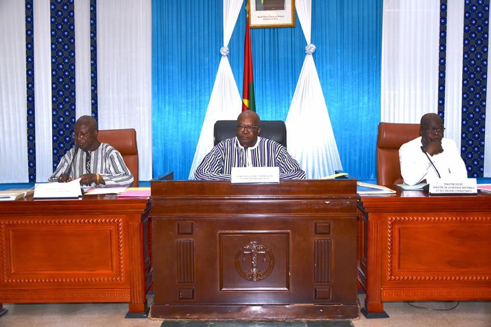 Le président Kaboré préside une réunion du Conseil supérieur de la Défense nationale