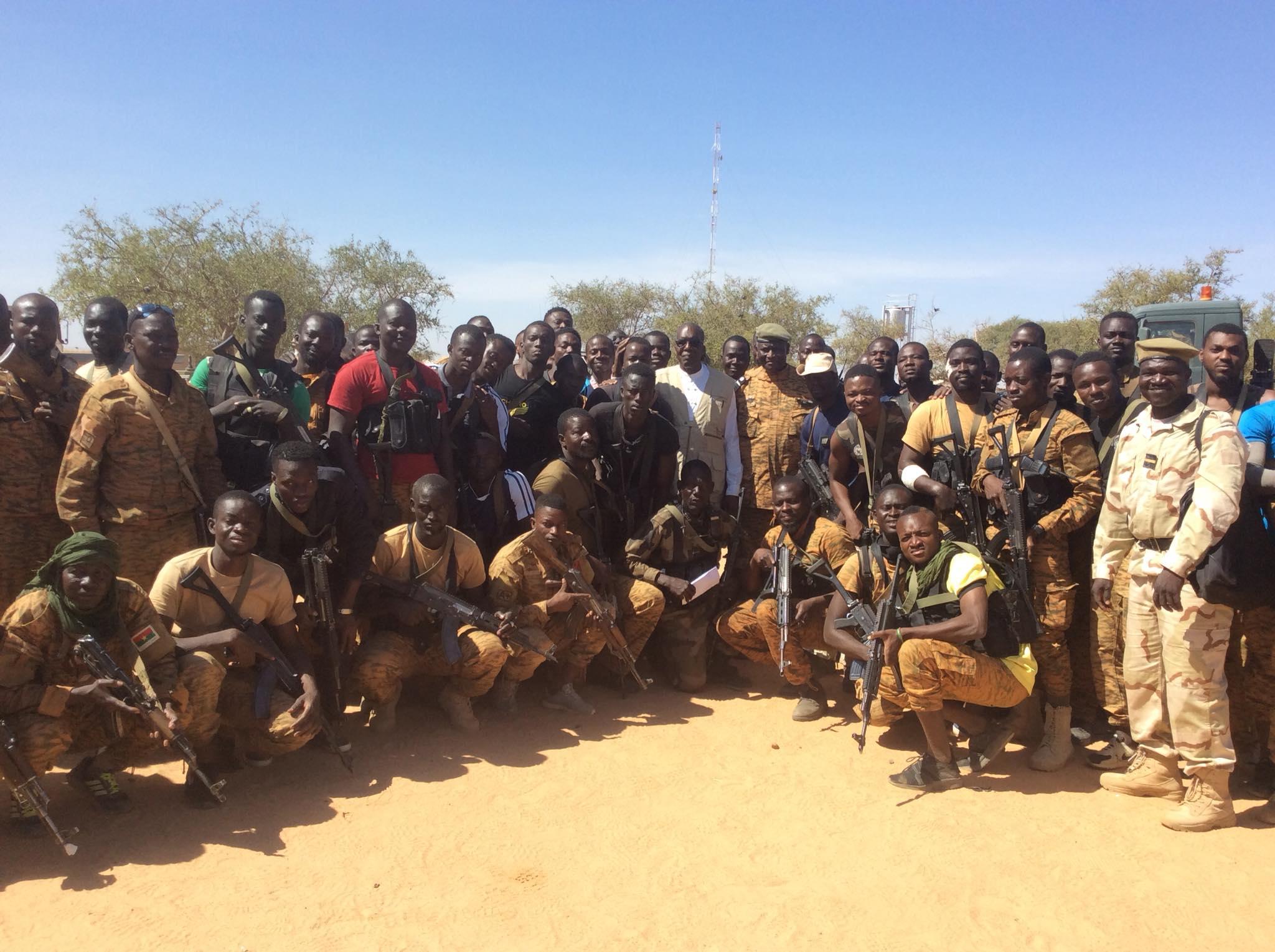 Région du Sahel : Le ministre de la sécurité en visite de soutien et d'encouragement de ses troupes sur le terrain .