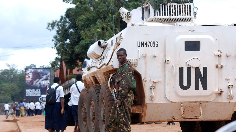 RDC : des manifestants envahissent et incendient une partie d'un camp de l'ONU à Beni