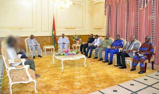 Burkina Faso: Les otages libérés dans les Cascades chez le Premier Ministre