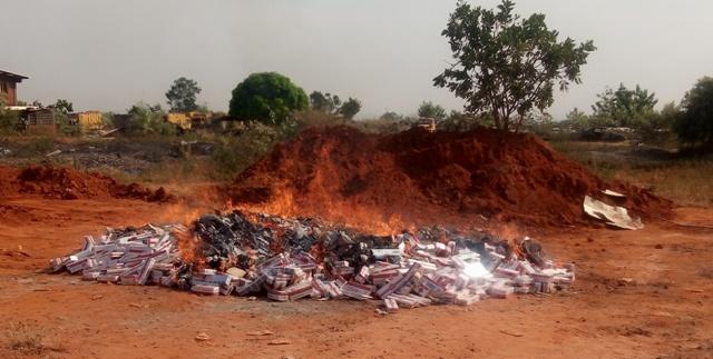 Lutte contre la contrebande :75 750 paquets de cigarettes détruits
