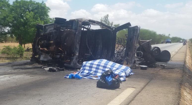 Sécurité: un engin explosif improvisé explose au passage d'un car de transport d'élèves,bilan 14 morts