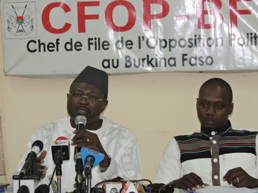 """Enrôlement des Burkinabé de l'extérieur: """"des individus proche du pouvoir en place distribuent ouvertement de l'argent à ceux qui s'enrôlent"""". CFOP"""