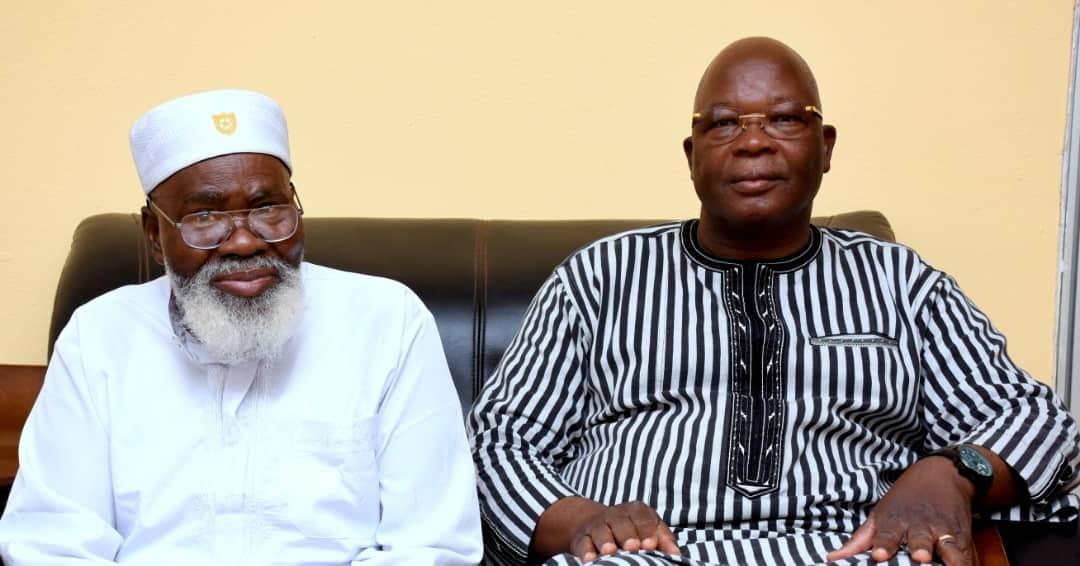 Burkina: Le ministre d'Etat chez l'Imam Aboubacar Kassoum Sana