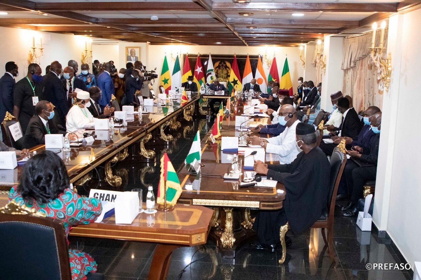Mali: la junte n'as pu convaincre la CEDEAO qui exige toujours un président civil