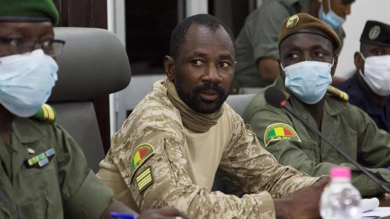 Mali: adoption d'une charte pour une transition de 18 mois