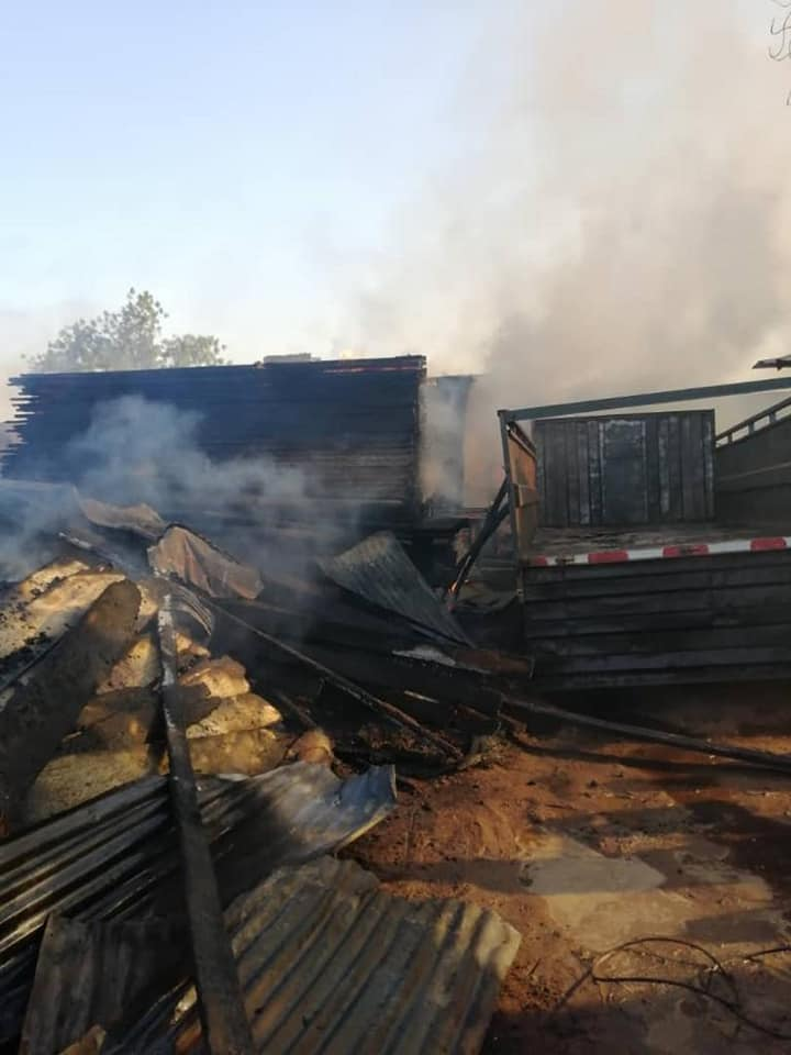 Dapoya-Ouagadougou: un entrepôt part en fumée