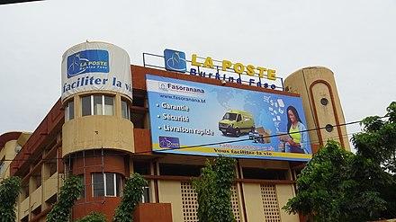 Economie: le Burkina lance sa banque postale