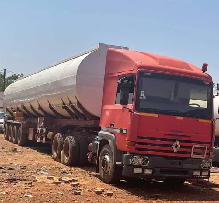 Fraude d'hydrocarbures : la brigade mobile des douanes saisit un camion-citerne