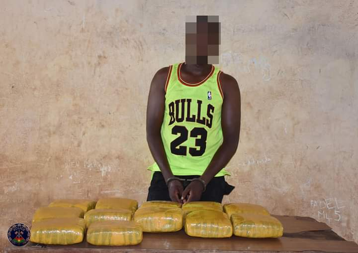 Lutte contre le trafic illicite des drogues au Burkina Faso : un trafiquant stoppé par la Police Nationale avec 13 Kg de cannabis