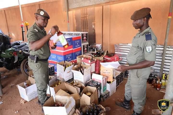 Boissons frélatées : La police municipale saisie plus de 2000 bouteilles