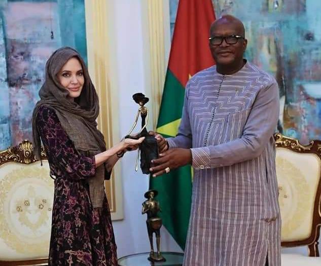 Journée mondiale des réfugiés : le président du Faso échange avec Angelina Jolie sur des questions humanitaires