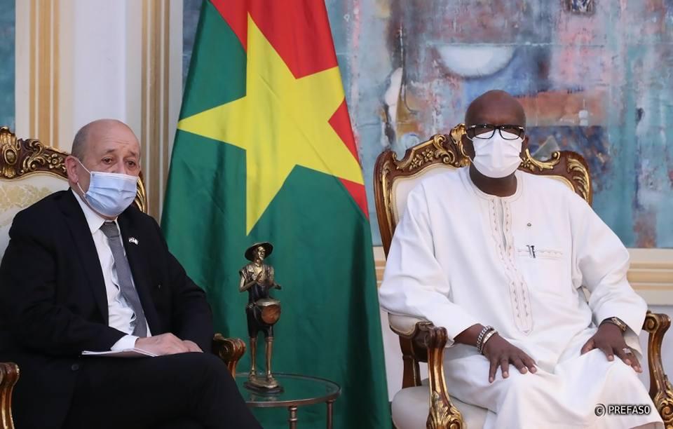 """Sécurité: """"la transformation de la force Barkhane va épouser les priorités qui ont été définies au sommet de Pau"""" Jean-Yves Le Drian"""