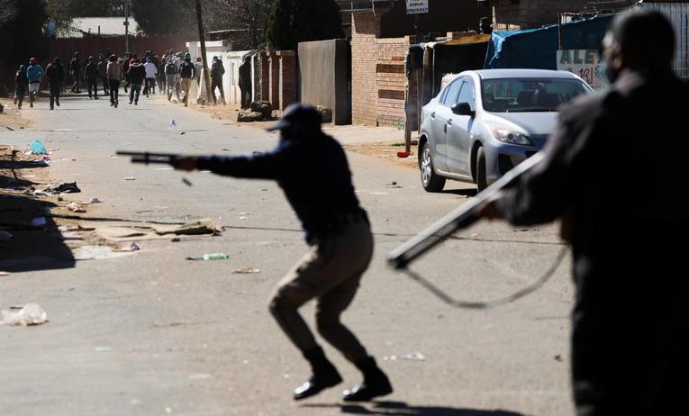 Afrique du Sud: 72 morts dans les violences après l'incarcération de Jacob Zuma